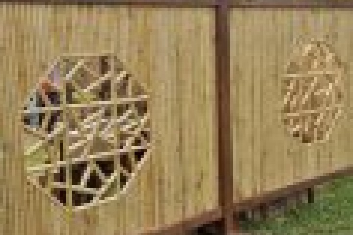 AliGlass Solutions Bamboo fencing 720 480