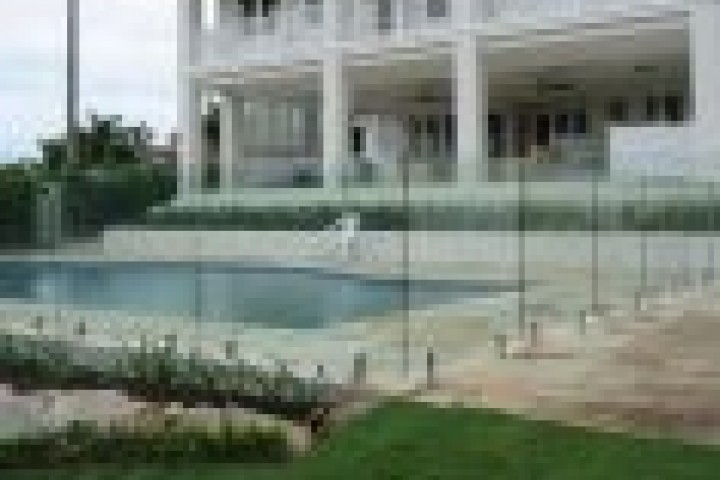 Pool Fencing Frameless glass 720 480