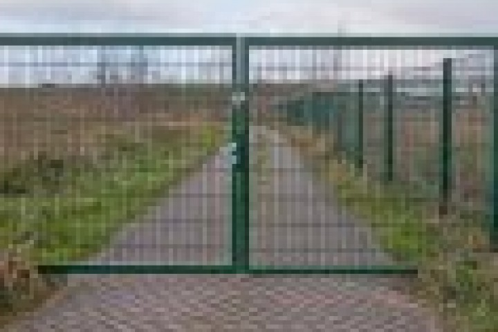 AliGlass Solutions Weldmesh fencing 720 480
